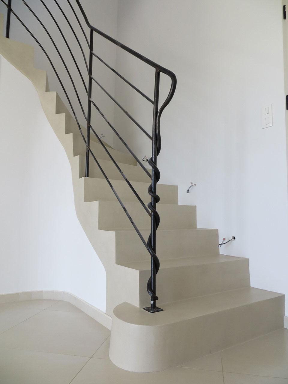 Beton cir escalier best awesome prix mercadier beton cire for Beton cire mercadier prix